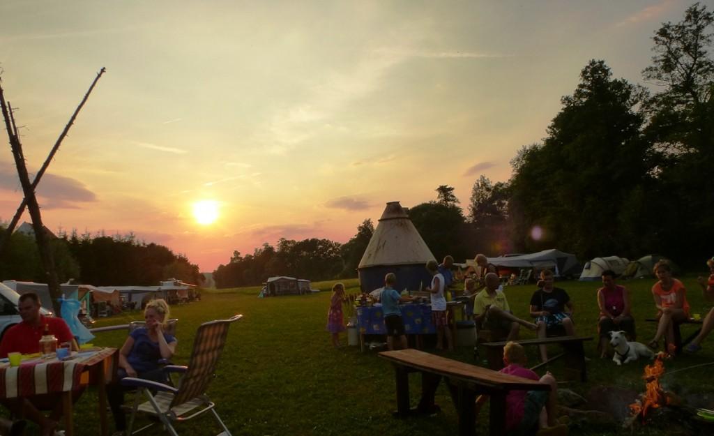 Tsjechische camping de Sprookjesmolen kampvuur