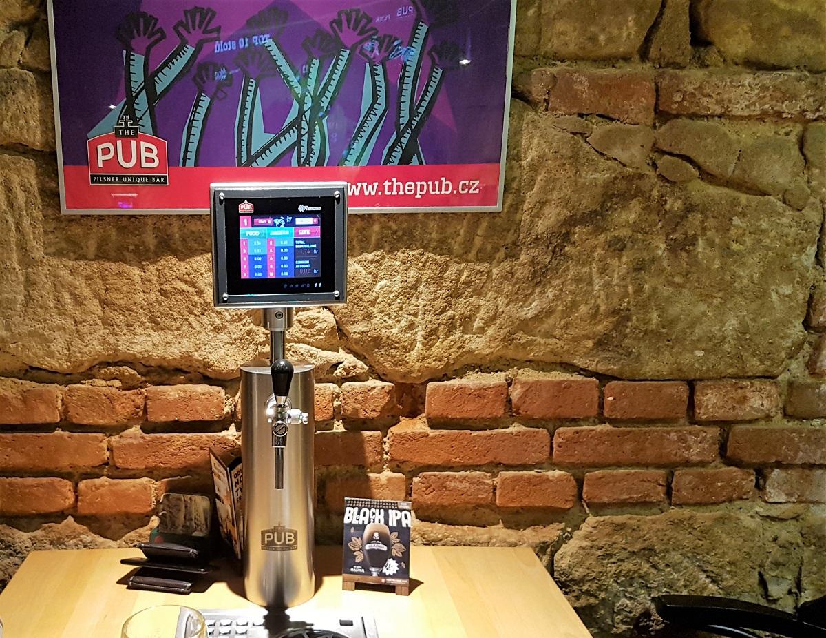 Bier drinken bij The Pub in Pilsen